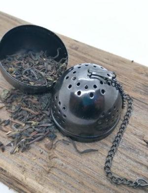 Tee-Ei schwarz